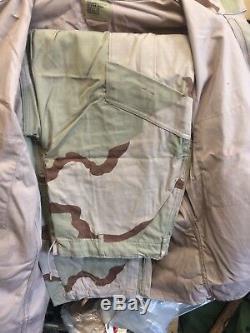 Army Close Combat Uniform CCU DCU Camo medium Regular Shirt & Pants NOS with Pads