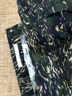Free shipping. Taiwan Marines Corps. L tiger stripe camo shirt/pant set