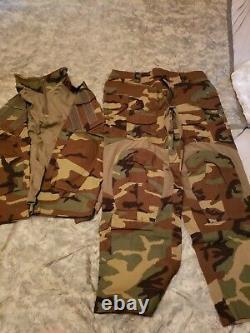 New large reg. Battle shirt battle pants special forces Delta specops