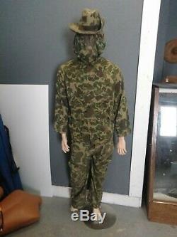 Vietnam war era duck cammo uniform. Med/reg, pants, shirt, sniper veil, hat