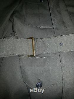 Vintage US Marines Dress uniform! Has Jacket, Shirt, Pants with Belt and Tie